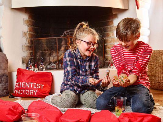 Barn med forskerkalender